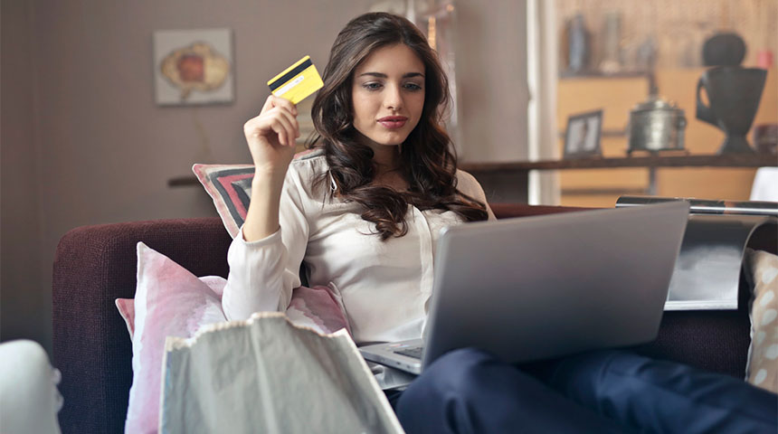 girl buy online - 7 Things Sweden Has to Say Before Cash Disappears